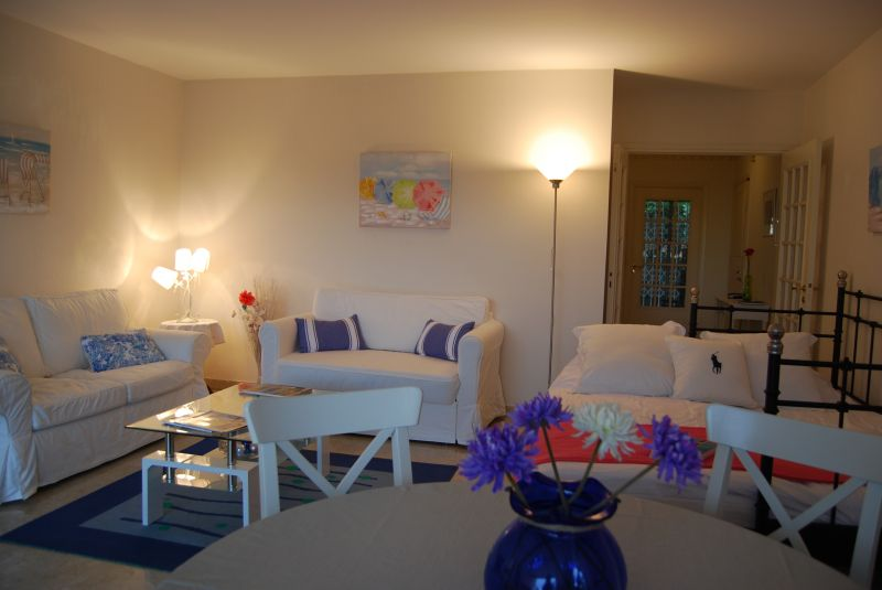 Sitting room Location Apartment 92095 Nice