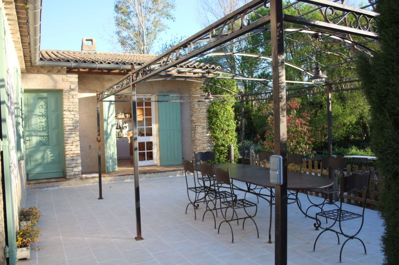 Location Self-catering property 92429 Isle sur la Sorgue