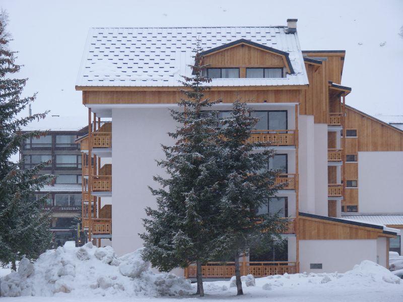 Outside view Location Apartment 101179 Les 2 Alpes
