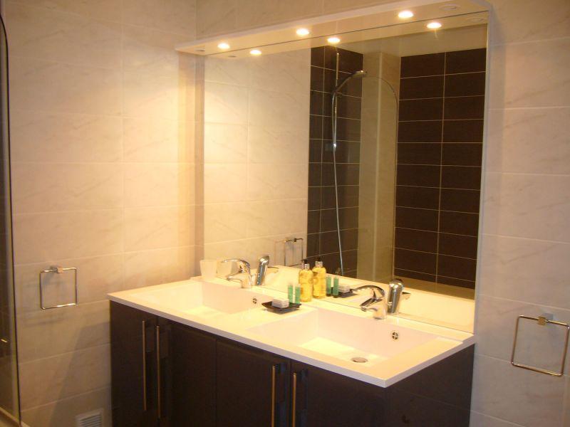 bathroom Location Apartment 106034 Annecy