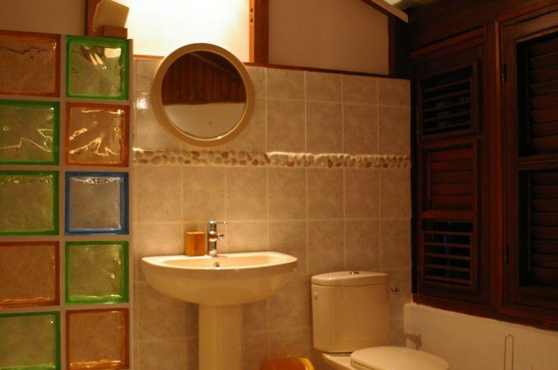 Sep. WC Location Villa 88363 Sainte Anne (Martinique)