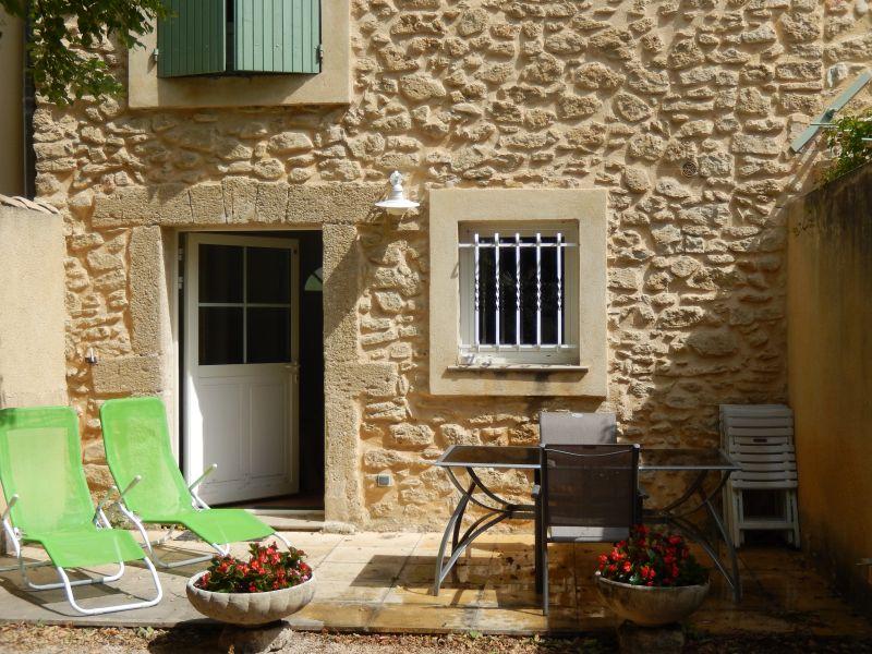 Location Self-catering property 101257 Sainte-Cécile-les-Vignes