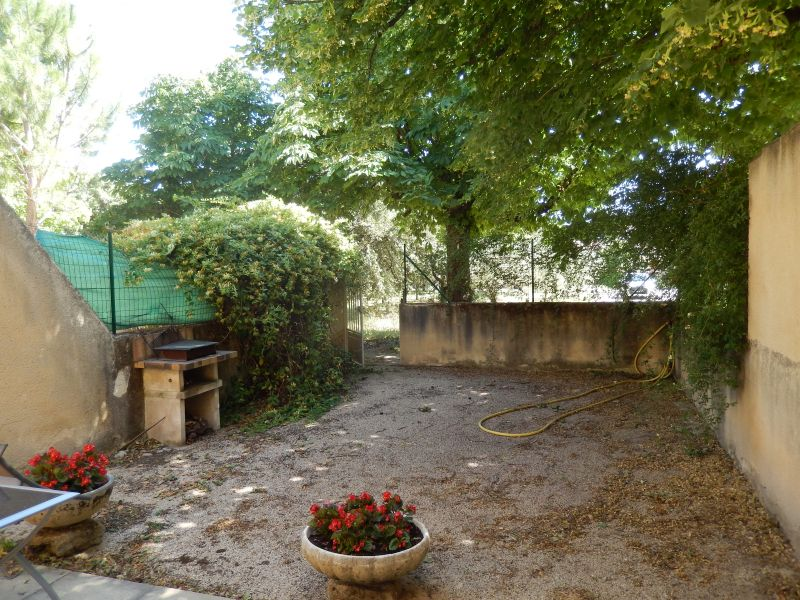 Garden Location Self-catering property 101257 Sainte-Cécile-les-Vignes