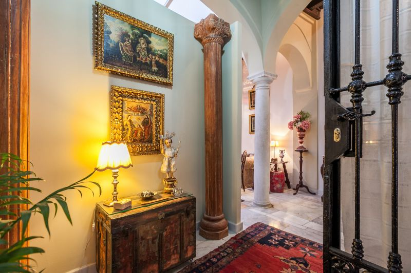 Hall Location Apartment 106199 Seville