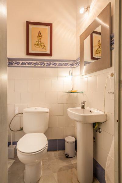 Washing facilities Location Apartment 106199 Seville