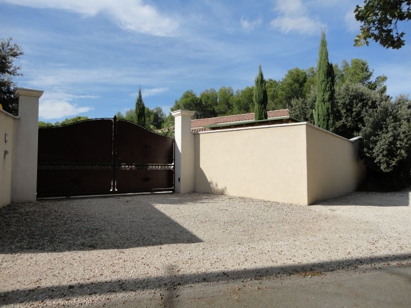 Hall Location Self-catering property 106635 Châteauneuf-de-Gadagne