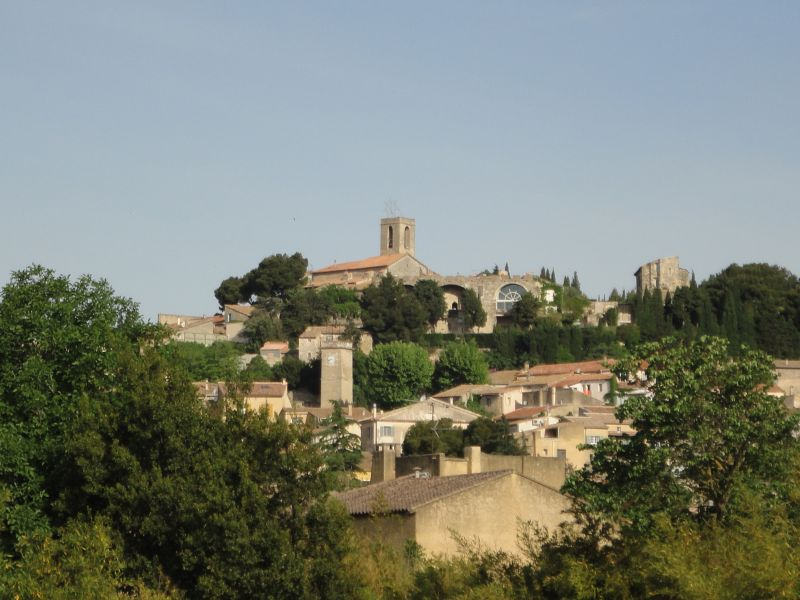 Location Self-catering property 106635 Châteauneuf-de-Gadagne