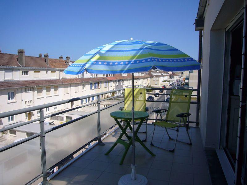 Balcony Location Studio apartment 117728 Fort Mahon