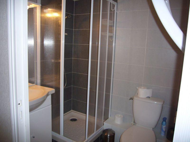 Washing facilities Location Studio apartment 117728 Fort Mahon