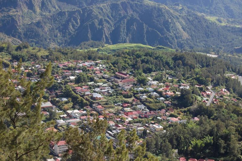 Location Apartment 76076 Saint Pierre (Réunion)