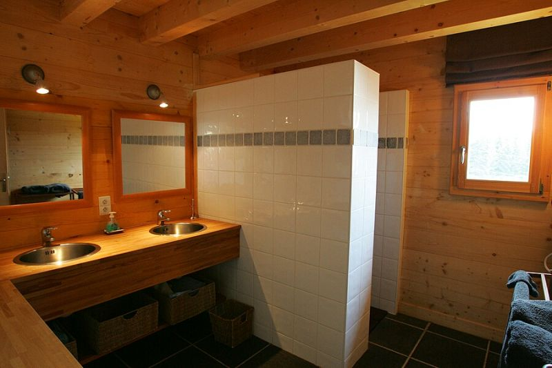 bathroom 1 Location Chalet 2355 Praz de Lys Sommand