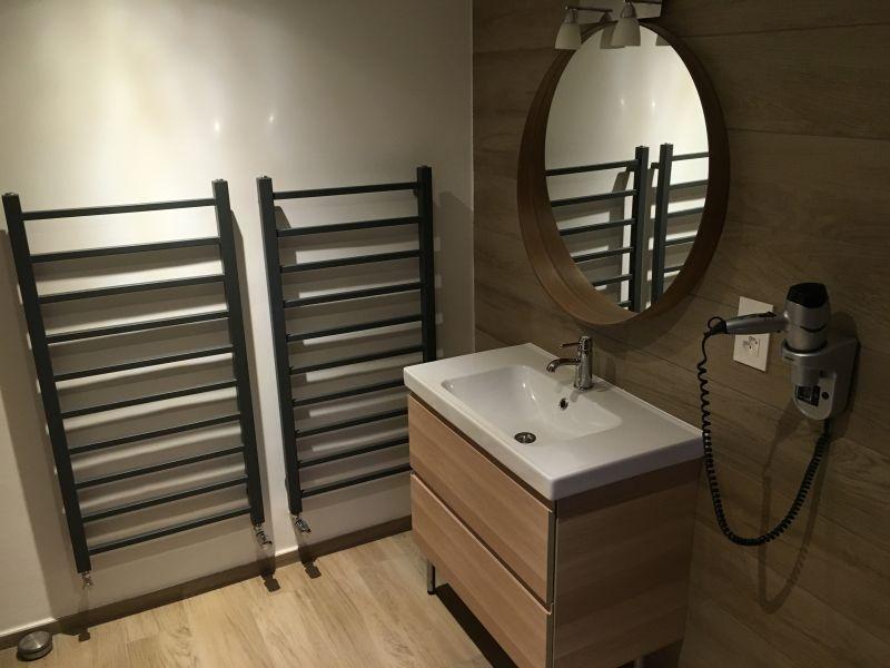 bathroom 1 Location Apartment 4697 Les Crosets