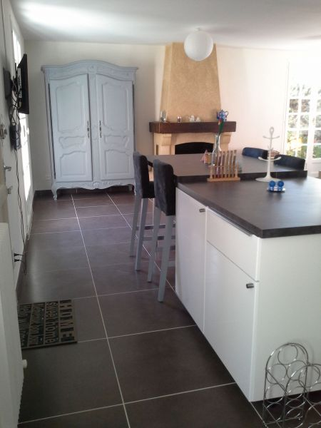 Open-plan kitchen Location House 100544 Roussillon