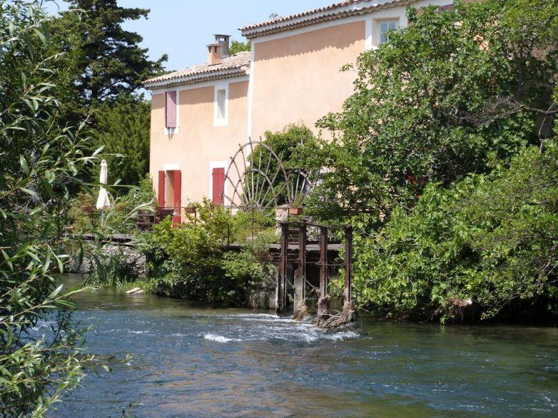 Surroundings Location House 104928 Isle sur la Sorgue
