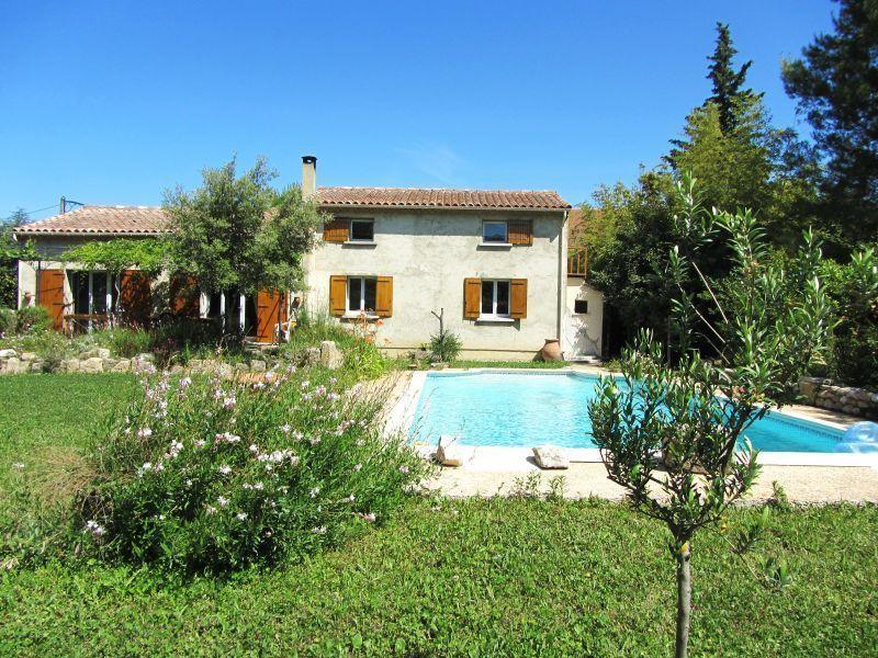Outside view Location House 104928 Isle sur la Sorgue