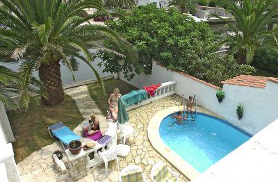 Swimming pool Location House 106921 Empuriabrava
