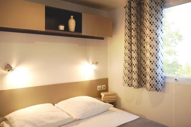 bedroom 1 Location Mobile home 114101 Saint-Julien-en-Born