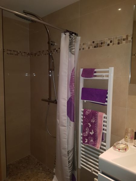 Washing facilities 2 Location Apartment 114260 Saint Raphael