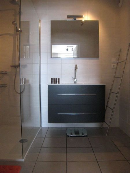 bathroom Location Apartment 118158 Embrun
