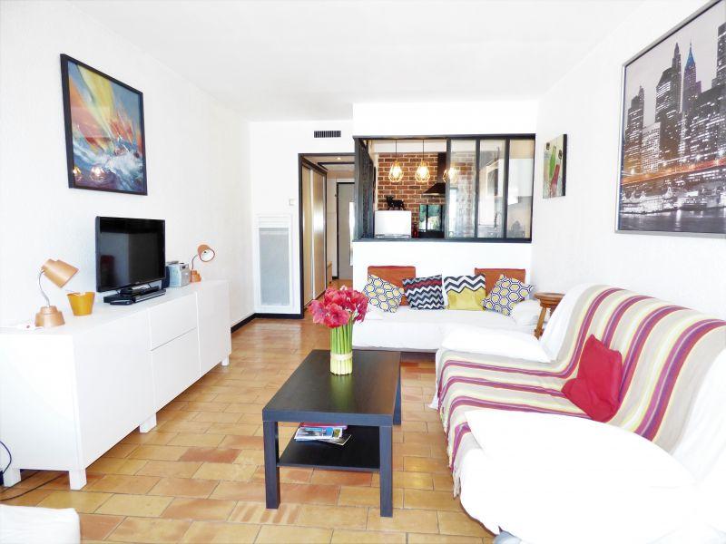 Location Studio apartment 105645 Bandol