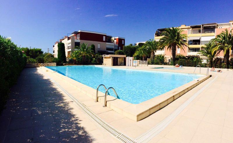 Swimming pool Location Studio apartment 105645 Bandol