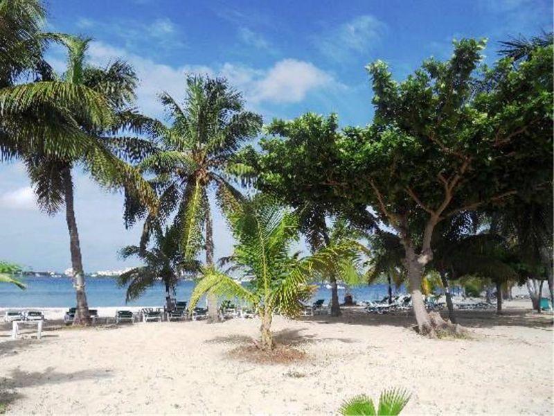Surroundings Location Apartment 108399 Marigot