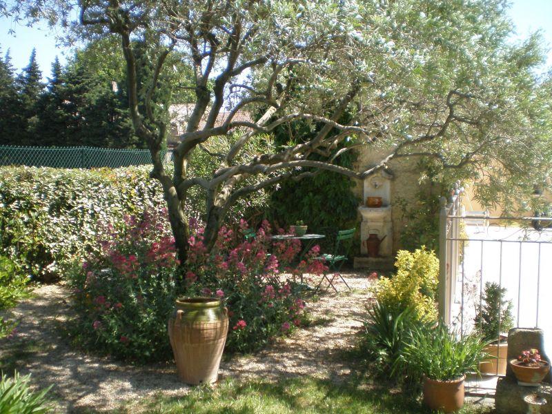 Surroundings Location Self-catering property 113447 Sainte-Cécile-les-Vignes