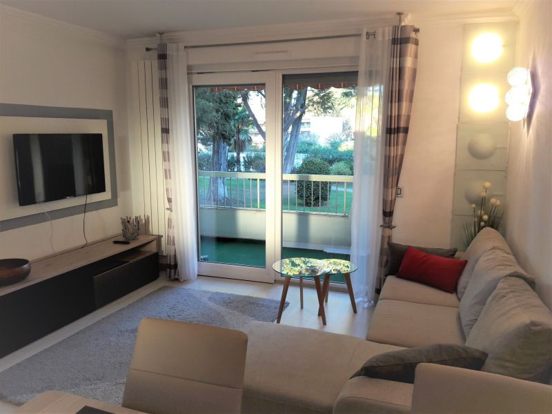 Living room Location Apartment 114308 Antibes