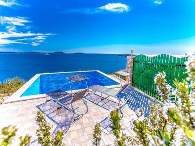 Swimming pool Location House 114372 Trogir