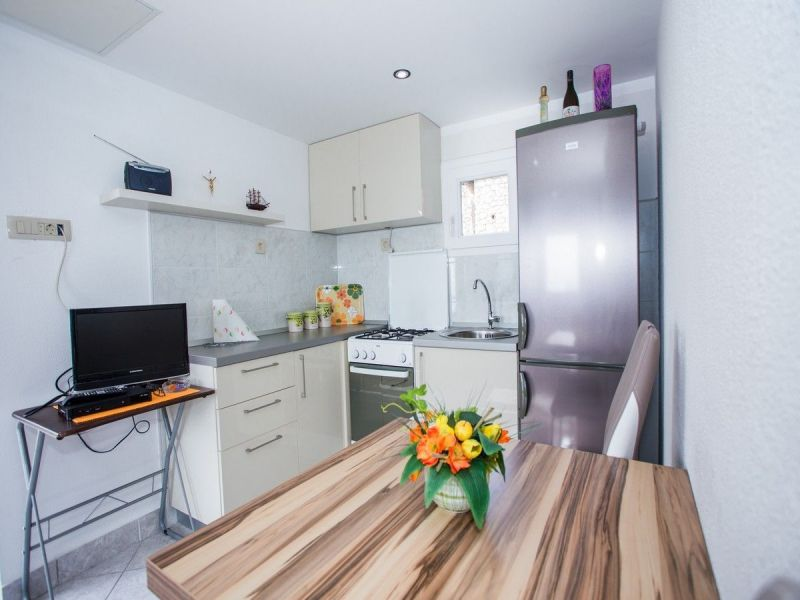Open-plan kitchen Location House 114372 Trogir