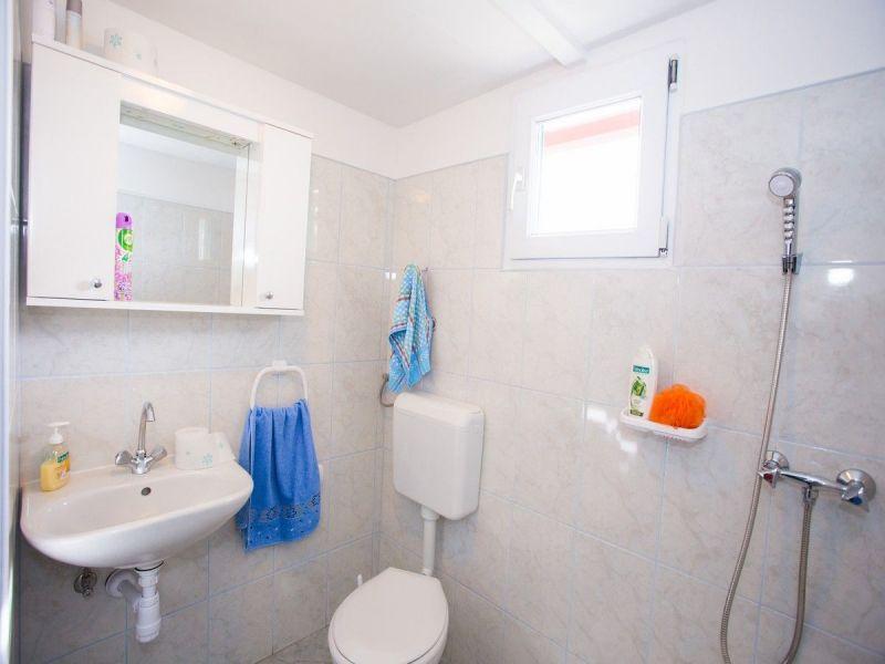 bathroom Location House 114372 Trogir
