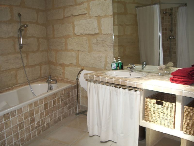 bathroom Location House 114445 Uzès