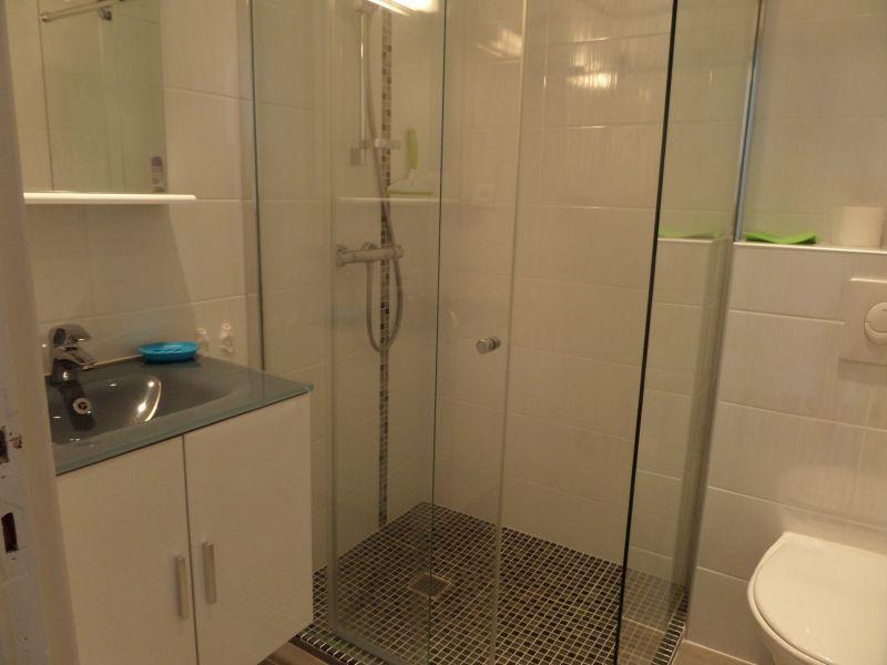 Washing facilities Location Apartment 91064 Saint Raphael
