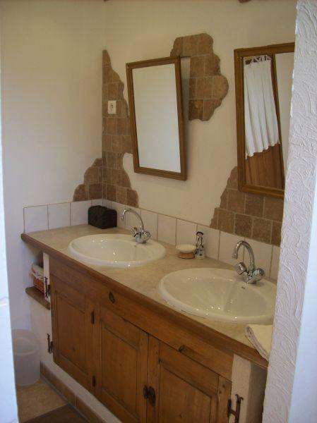 Washing facilities Location House 100030 Avignon