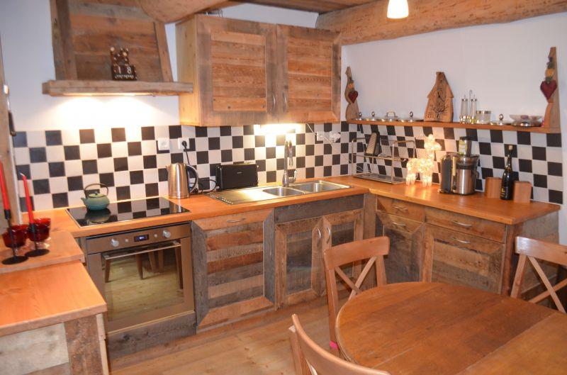 Open-plan kitchen Location Apartment 80820 Aussois