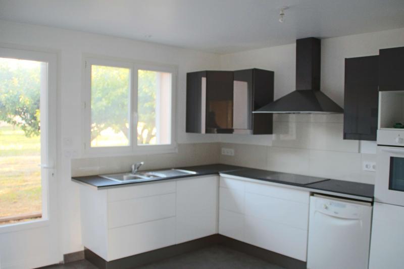 Sep. kitchen Location Villa 82417 Hyères