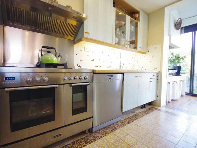 Open-plan kitchen Location House 88875 Biarritz
