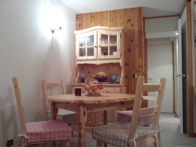 Dining room Location Studio apartment 101645 La Plagne