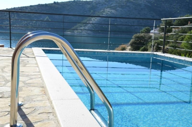 Swimming pool Location House 112566 Trogir