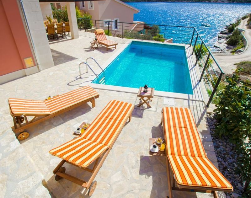 Swimming pool Location House 112566 Trogir