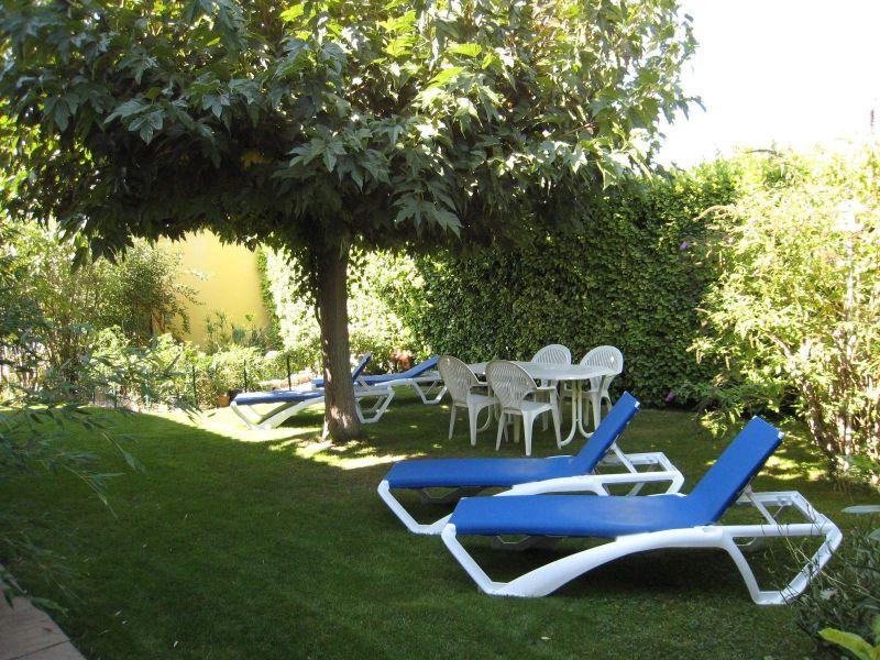 Garden Location Self-catering property 116997 Isle sur la Sorgue