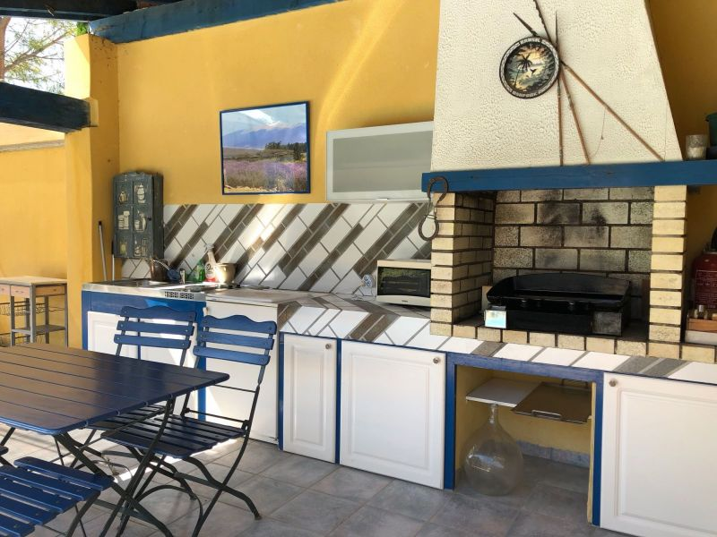 Summer kitchen Location Self-catering property 116997 Isle sur la Sorgue