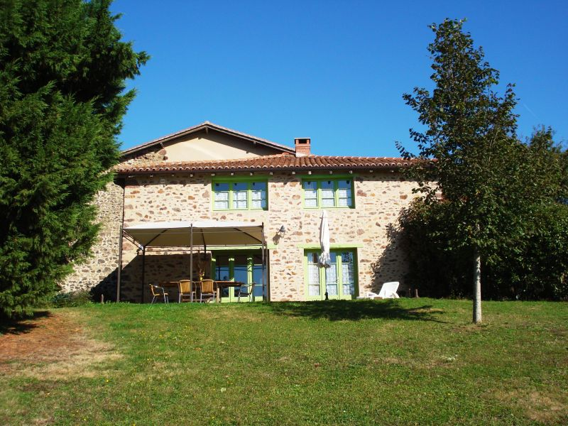 Outside view Location Self-catering property 117039 Rochechouart