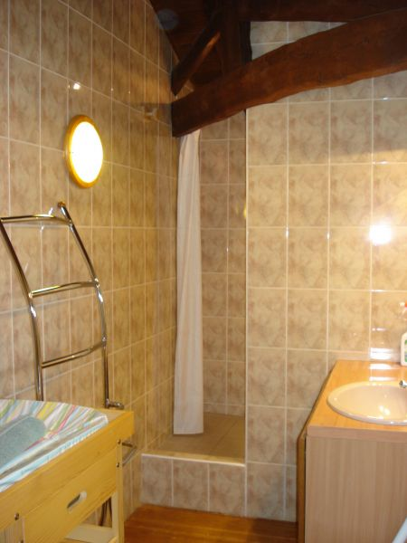 Washing facilities 2 Location Self-catering property 117039 Rochechouart