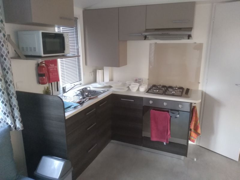 Open-plan kitchen Location Mobile home 117730 Saint-Julien-en-Born