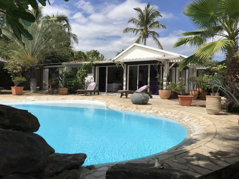 Swimming pool Location Villa 70449 Saint Gilles