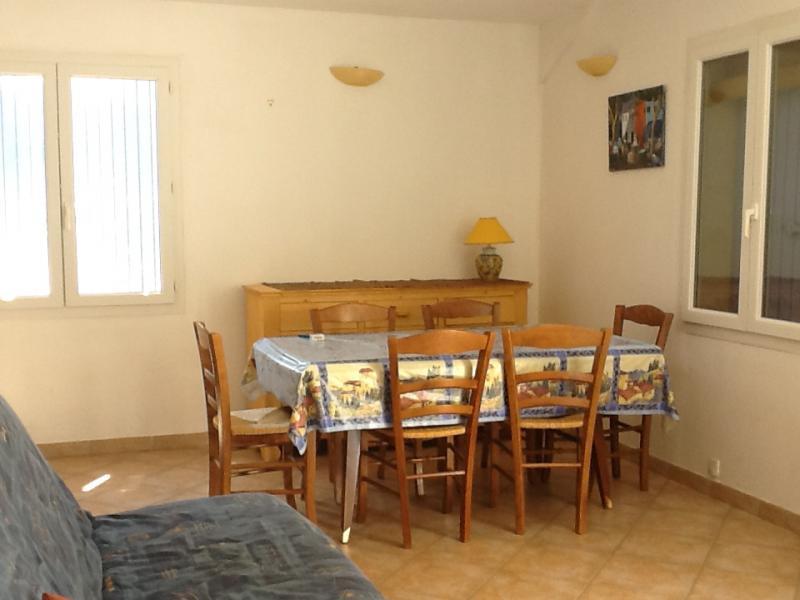 Location Apartment 71471 La Tour d'Aigues