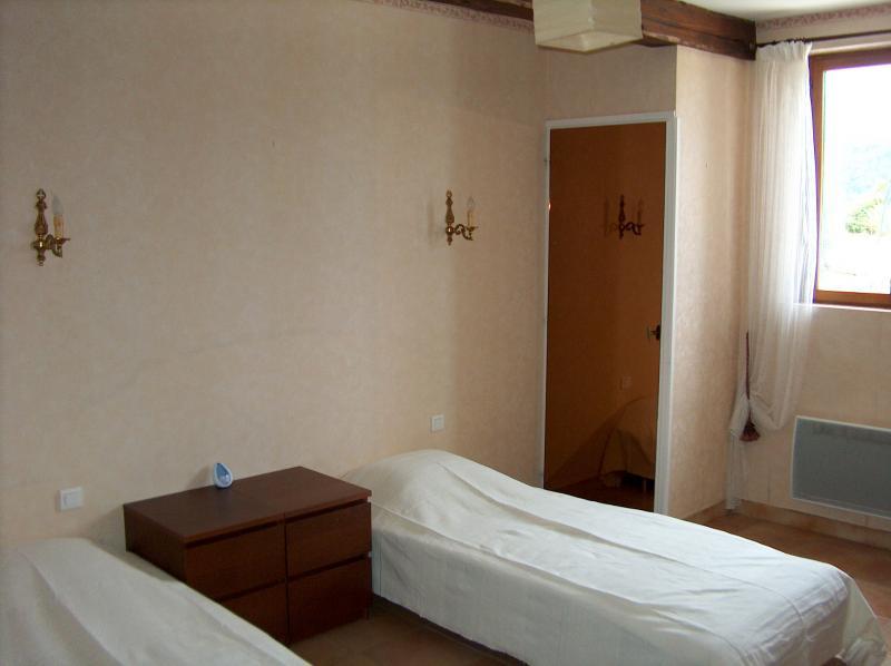 bedroom 2 Location Villa 83534 Anduze