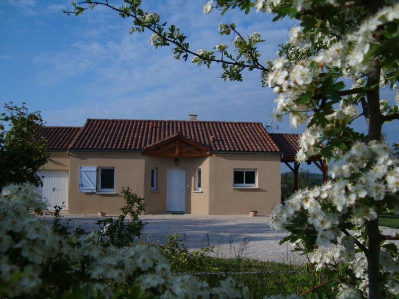 Outside view Location House 83784 Salignac-Eyvignes