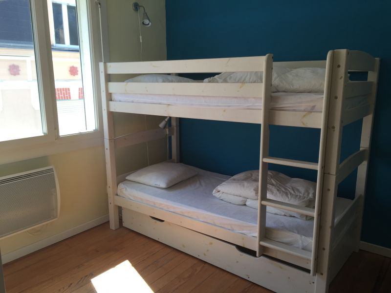 bedroom 2 Location Self-catering property 95721 Wimereux